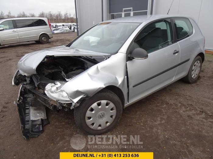 Volkswagen Golf 04-
