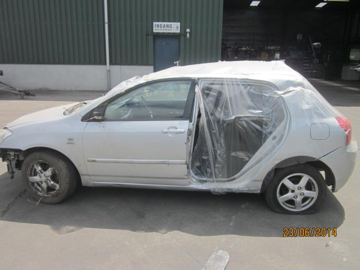 Toyota Corolla (E12) 1.4 16V VVT-i 2005 Deur 4Deurs rechts-voor (klik op de afbeelding voor de volgende foto)