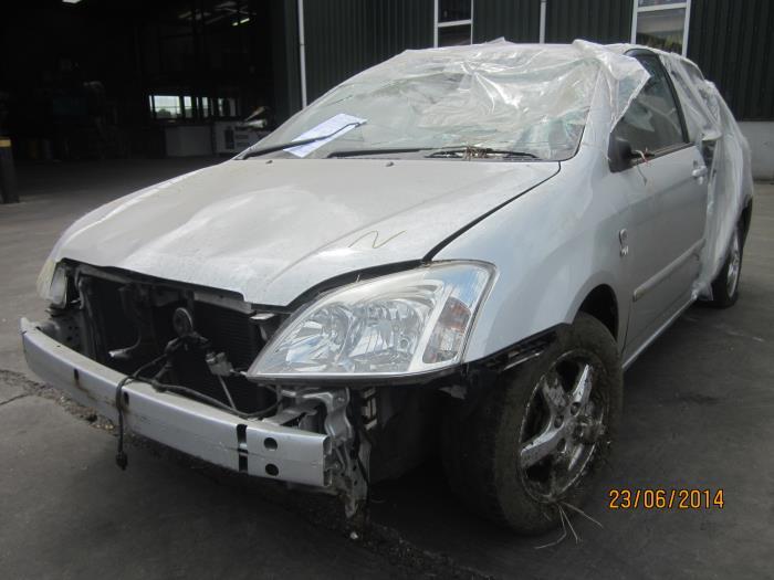 Toyota Corolla (E12) 1.4 16V VVT-i (klik op de afbeelding voor de volgende foto)