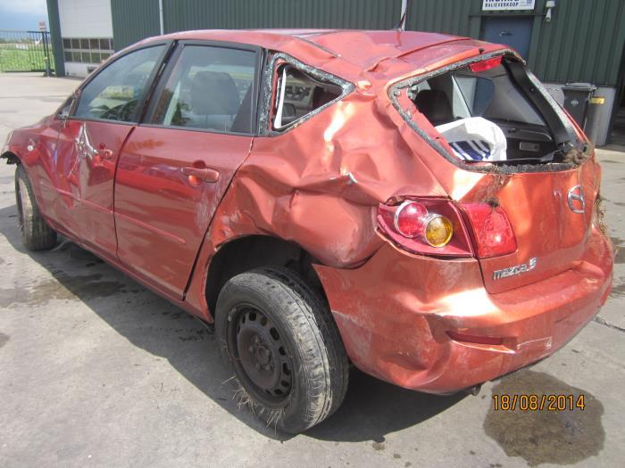 Mazda 3 Sport (BK14) 1.3i 16V (klik op de afbeelding voor de volgende foto)  (klik op de afbeelding voor de volgende foto)  (klik op de afbeelding voor de volgende foto)  (klik op de afbeelding voor de volgende foto)