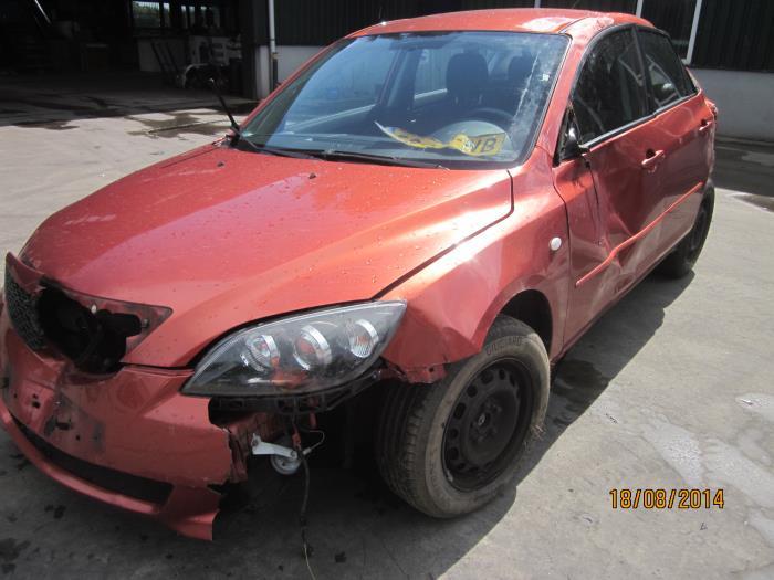 Mazda 3 Sport (BK14) 1.3i 16V (klik op de afbeelding voor de volgende foto)  (klik op de afbeelding voor de volgende foto)