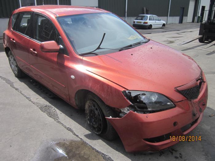 Mazda 3 Sport (BK14) 1.3i 16V (klik op de afbeelding voor de volgende foto)  (klik op de afbeelding voor de volgende foto)  (klik op de afbeelding voor de volgende foto)  (klik op de afbeelding voor de volgende foto)  (klik op de afbeelding voor de volgende foto)  (klik op de afbeelding voor de volgende foto)  (klik op de afbeelding voor de volgende foto)  (klik op de afbeelding voor de volgende foto)