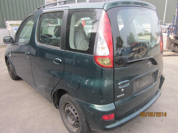 Toyota Yaris Verso (P2) 1.4 D-4D (klik op de afbeelding voor de volgende foto)  (klik op de afbeelding voor de volgende foto)  (klik op de afbeelding voor de volgende foto)