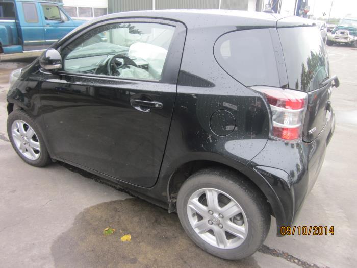 Toyota iQ 1.0 12V VVT-i (klik op de afbeelding voor de volgende foto)  (klik op de afbeelding voor de volgende foto)  (klik op de afbeelding voor de volgende foto)