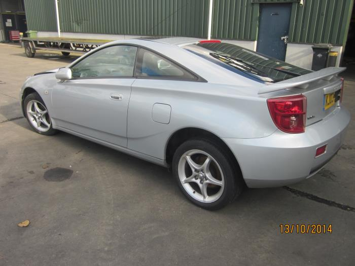 Toyota Celica {ZZT230/231} 1.8i 16V (klik op de afbeelding voor de volgende foto)  (klik op de afbeelding voor de volgende foto)  (klik op de afbeelding voor de volgende foto)