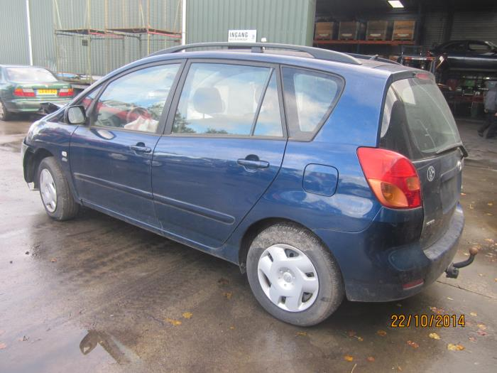 Toyota Corolla Verso (E12) 2.0 D-4D 16V 90 (klik op de afbeelding voor de volgende foto)  (klik op de afbeelding voor de volgende foto)  (klik op de afbeelding voor de volgende foto)