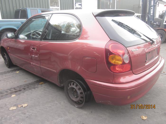 Toyota Corolla (E11) 1.6 16V (klik op de afbeelding voor de volgende foto)  (klik op de afbeelding voor de volgende foto)  (klik op de afbeelding voor de volgende foto)