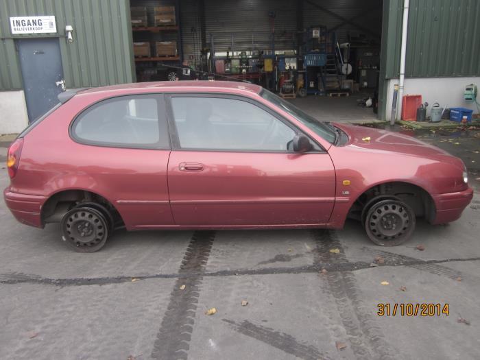 Toyota Corolla (E11) 1.6 16V (klik op de afbeelding voor de volgende foto)  (klik op de afbeelding voor de volgende foto)  (klik op de afbeelding voor de volgende foto)  (klik op de afbeelding voor de volgende foto)  (klik op de afbeelding voor de volgende foto)  (klik op de afbeelding voor de volgende foto)