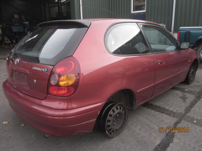 Toyota Corolla (E11) 1.6 16V (klik op de afbeelding voor de volgende foto)  (klik op de afbeelding voor de volgende foto)  (klik op de afbeelding voor de volgende foto)  (klik op de afbeelding voor de volgende foto)  (klik op de afbeelding voor de volgende foto)