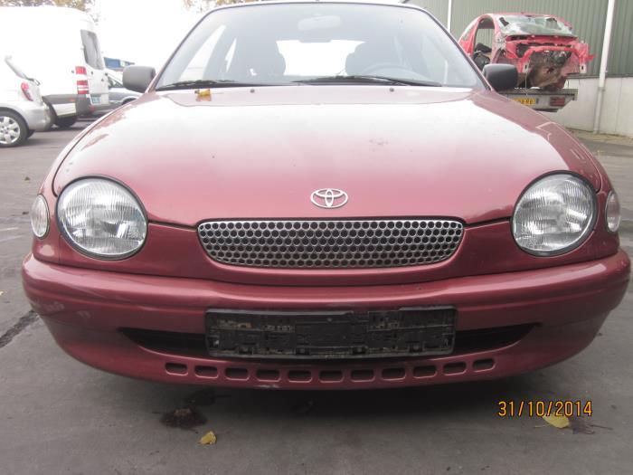 Toyota Corolla (E11) 1.6 16V 1999 Schakelaar Paniekverlichting (klik op de afbeelding voor de volgende foto)
