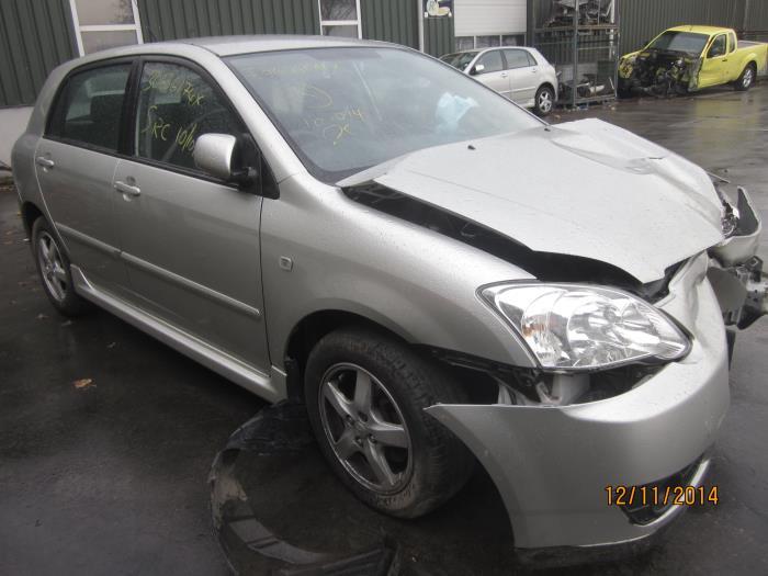 Toyota Corolla (E12) 1.6 16V VVT-i (klik op de afbeelding voor de volgende foto)  (klik op de afbeelding voor de volgende foto)  (klik op de afbeelding voor de volgende foto)  (klik op de afbeelding voor de volgende foto)  (klik op de afbeelding voor de volgende foto)  (klik op de afbeelding voor de volgende foto)  (klik op de afbeelding voor de volgende foto)