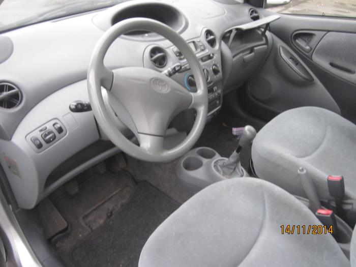 Toyota Yaris (P1) 1.3 16V VVT-i (klik op de afbeelding voor de volgende foto)  (klik op de afbeelding voor de volgende foto)  (klik op de afbeelding voor de volgende foto)  (klik op de afbeelding voor de volgende foto)  (klik op de afbeelding voor de volgende foto)  (klik op de afbeelding voor de volgende foto)  (klik op de afbeelding voor de volgende foto)  (klik op de afbeelding voor de volgende foto)  (klik op de afbeelding voor de volgende foto)