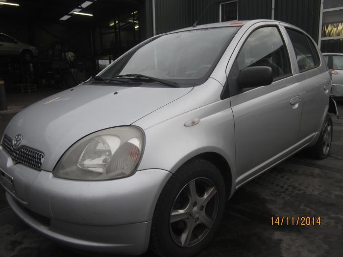 Toyota Yaris (P1) 1.3 16V VVT-i (Klicken Sie auf das Bild für das nächste Foto)