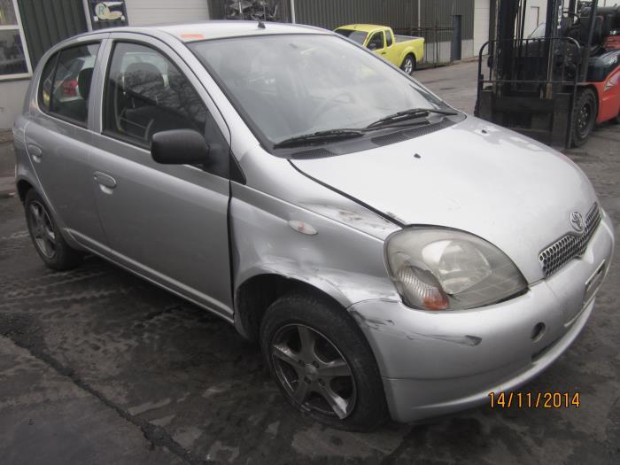 Toyota Yaris (P1) 1.3 16V VVT-i (Klicken Sie auf das Bild für das nächste Foto)  (Klicken Sie auf das Bild für das nächste Foto)  (Klicken Sie auf das Bild für das nächste Foto)  (Klicken Sie auf das Bild für das nächste Foto)  (Klicken Sie auf das Bild für das nächste Foto)  (Klicken Sie auf das Bild für das nächste Foto)  (Klicken Sie auf das Bild für das nächste Foto)