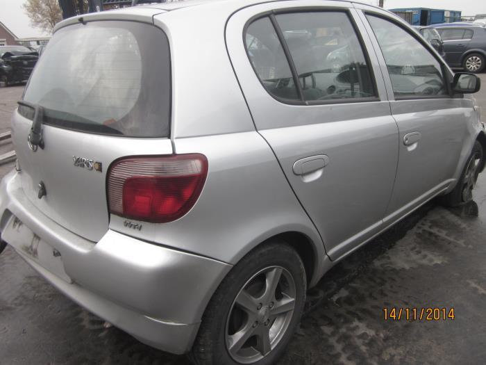 Toyota Yaris (P1) 1.3 16V VVT-i (klik op de afbeelding voor de volgende foto)  (klik op de afbeelding voor de volgende foto)  (klik op de afbeelding voor de volgende foto)  (klik op de afbeelding voor de volgende foto)  (klik op de afbeelding voor de volgende foto)