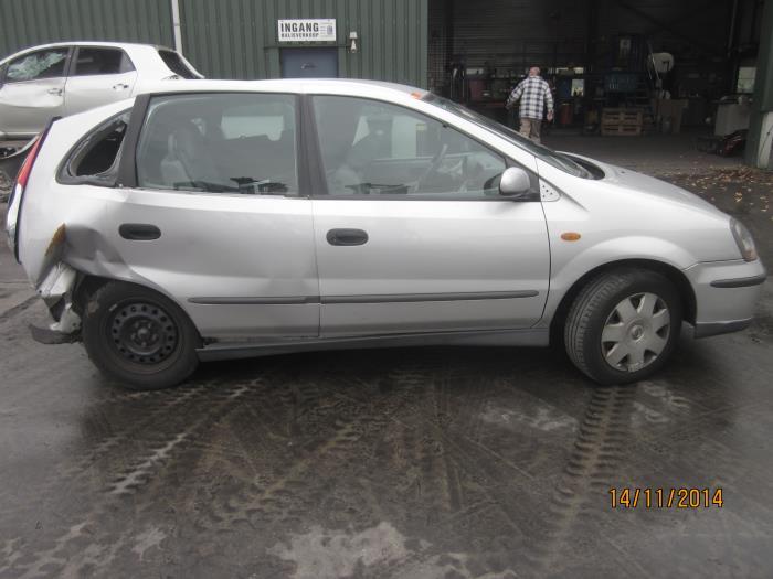 Nissan Almera Tino (V10M) 2.0 16V CVT (Klicken Sie auf das Bild für das nächste Foto)  (Klicken Sie auf das Bild für das nächste Foto)  (Klicken Sie auf das Bild für das nächste Foto)  (Klicken Sie auf das Bild für das nächste Foto)  (Klicken Sie auf das Bild für das nächste Foto)  (Klicken Sie auf das Bild für das nächste Foto)