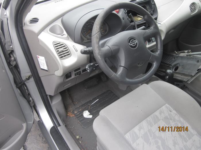 Nissan Almera Tino (V10M) 2.0 16V CVT (klik op de afbeelding voor de volgende foto)  (klik op de afbeelding voor de volgende foto)  (klik op de afbeelding voor de volgende foto)  (klik op de afbeelding voor de volgende foto)  (klik op de afbeelding voor de volgende foto)  (klik op de afbeelding voor de volgende foto)  (klik op de afbeelding voor de volgende foto)  (klik op de afbeelding voor de volgende foto)  (klik op de afbeelding voor de volgende foto)