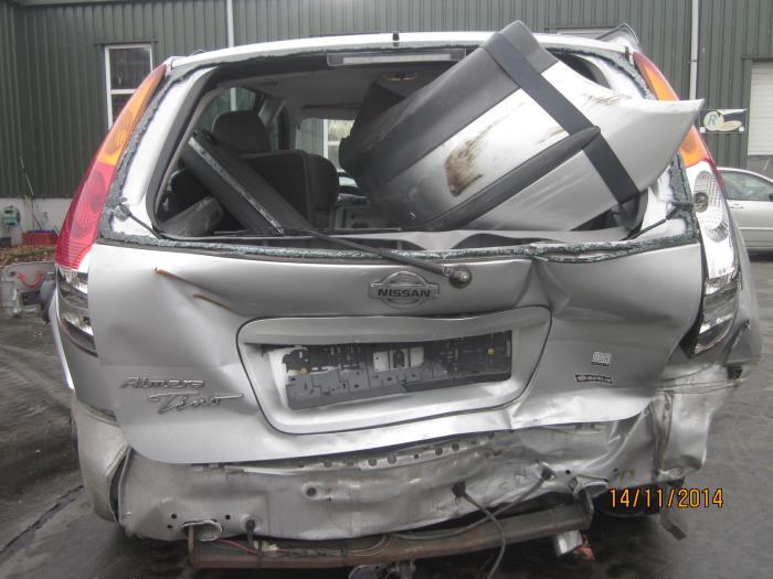 Nissan Almera Tino (V10M) 2.0 16V CVT (Klicken Sie auf das Bild für das nächste Foto)  (Klicken Sie auf das Bild für das nächste Foto)  (Klicken Sie auf das Bild für das nächste Foto)  (Klicken Sie auf das Bild für das nächste Foto)