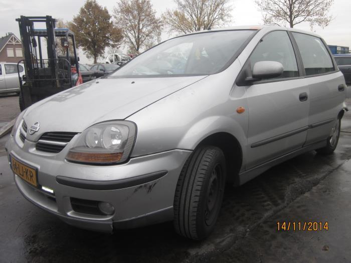 Nissan Almera Tino (V10M) 2.0 16V CVT (klik op de afbeelding voor de volgende foto)