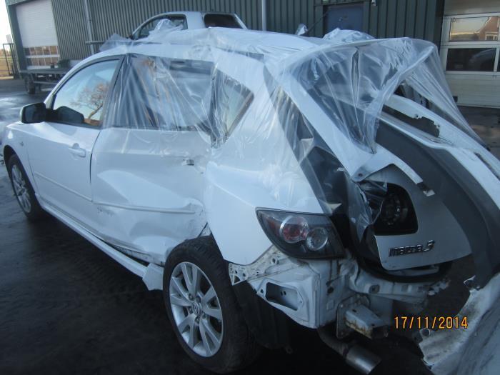 Mazda 3 Sport (BK14) 1.6i 16V 2008 Motorrubber (klik op de afbeelding voor de volgende foto)