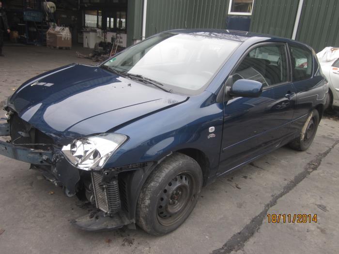 Toyota Corolla (E12) 2.0 D-4D 16V 116 (klik op de afbeelding voor de volgende foto)