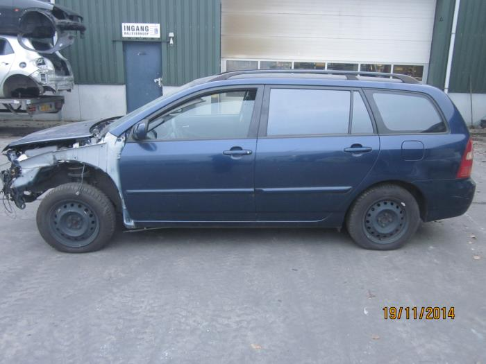 Toyota Corolla Wagon (E12) 1.6 16V VVT-i (klik op de afbeelding voor de volgende foto)  (klik op de afbeelding voor de volgende foto)
