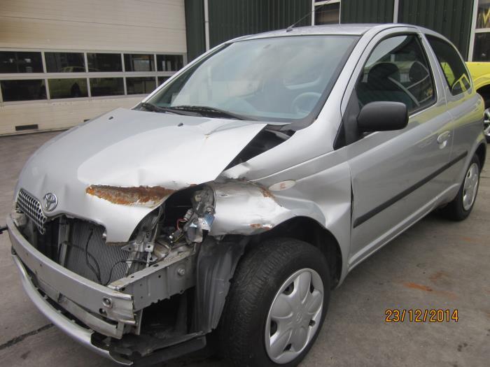Toyota Yaris (P1) 1.0 16V VVT-i (Klicken Sie auf das Bild für das nächste Foto)