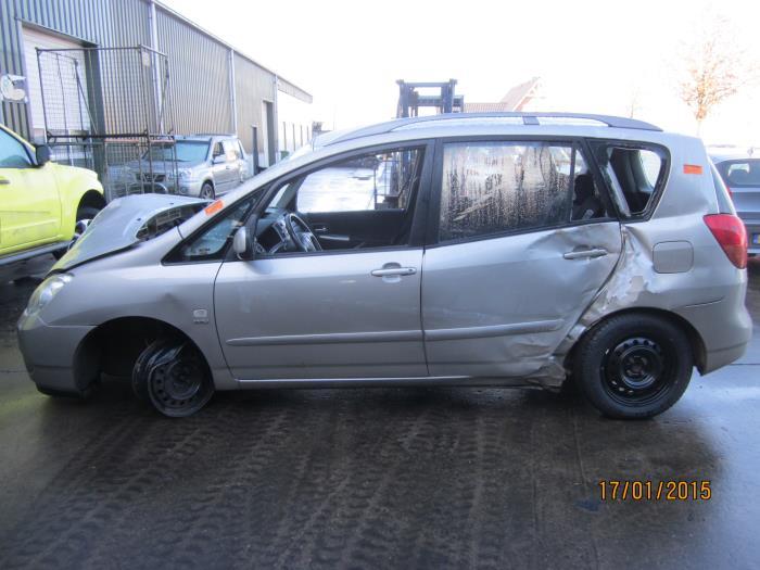 Toyota Corolla Verso (E12) 1.6 16V VVT-i (Klicken Sie auf das Bild für das nächste Foto)  (Klicken Sie auf das Bild für das nächste Foto)