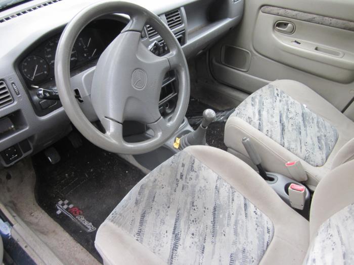Mazda Demio 1.3 16V (klik op de afbeelding voor de volgende foto)  (klik op de afbeelding voor de volgende foto)  (klik op de afbeelding voor de volgende foto)  (klik op de afbeelding voor de volgende foto)  (klik op de afbeelding voor de volgende foto)  (klik op de afbeelding voor de volgende foto)  (klik op de afbeelding voor de volgende foto)  (klik op de afbeelding voor de volgende foto)  (klik op de afbeelding voor de volgende foto)