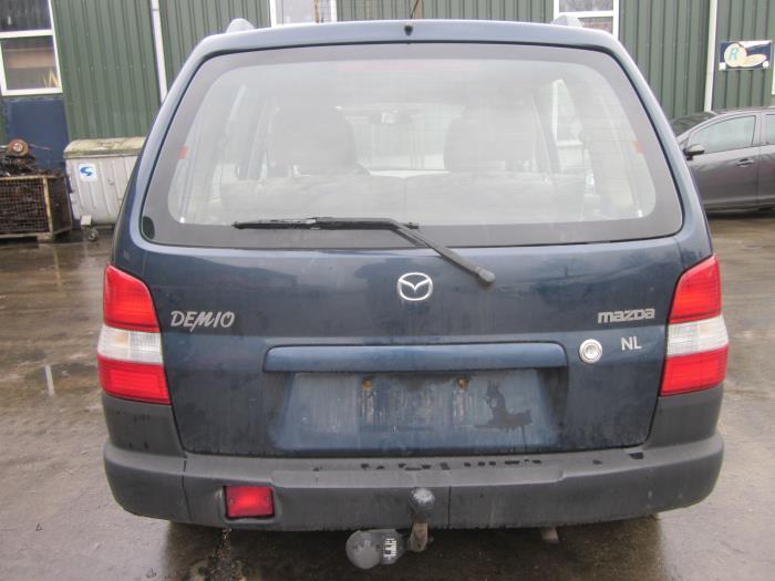 Mazda Demio 1.3 16V (klik op de afbeelding voor de volgende foto)  (klik op de afbeelding voor de volgende foto)  (klik op de afbeelding voor de volgende foto)  (klik op de afbeelding voor de volgende foto)