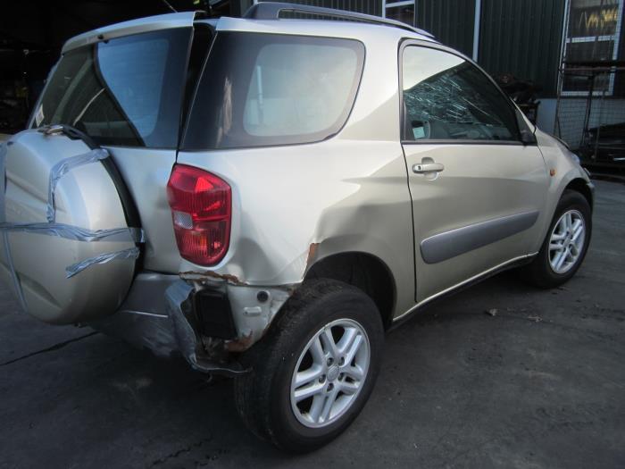 Toyota RAV4 (A2) 1.8 16V VVT-i 4x2 (Klicken Sie auf das Bild für das nächste Foto)  (Klicken Sie auf das Bild für das nächste Foto)  (Klicken Sie auf das Bild für das nächste Foto)  (Klicken Sie auf das Bild für das nächste Foto)  (Klicken Sie auf das Bild für das nächste Foto)