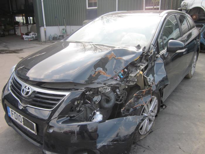 Toyota Avensis Wagon (T27) 2.0 16V D-4D-F (klik op de afbeelding voor de volgende foto)