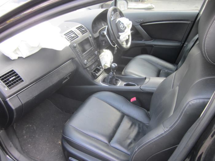 Toyota Avensis Wagon (T27) 2.0 16V D-4D-F (klik op de afbeelding voor de volgende foto)  (klik op de afbeelding voor de volgende foto)  (klik op de afbeelding voor de volgende foto)  (klik op de afbeelding voor de volgende foto)  (klik op de afbeelding voor de volgende foto)  (klik op de afbeelding voor de volgende foto)  (klik op de afbeelding voor de volgende foto)  (klik op de afbeelding voor de volgende foto)  (klik op de afbeelding voor de volgende foto)