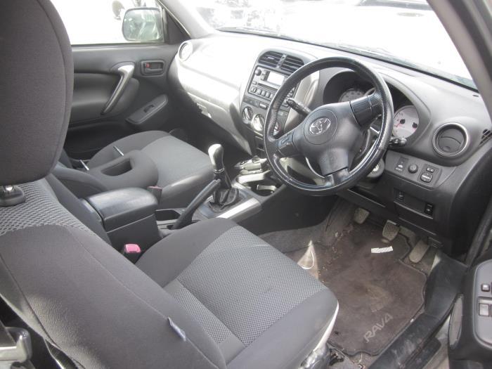 Toyota RAV4 (A2) 2.0 16V VVT-i 4x4 (klik op de afbeelding voor de volgende foto)  (klik op de afbeelding voor de volgende foto)  (klik op de afbeelding voor de volgende foto)  (klik op de afbeelding voor de volgende foto)  (klik op de afbeelding voor de volgende foto)  (klik op de afbeelding voor de volgende foto)  (klik op de afbeelding voor de volgende foto)  (klik op de afbeelding voor de volgende foto)  (klik op de afbeelding voor de volgende foto)