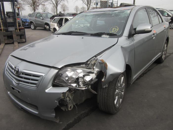 Toyota Avensis (T25/B1D) 1.8 16V VVT-i (Klicken Sie auf das Bild für das nächste Foto)
