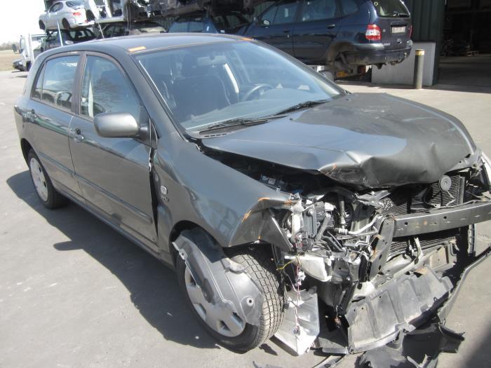 Toyota Corolla (E12) 1.6 16V VVT-i 2003 Instrumentenpaneel (klik op de afbeelding voor de volgende foto)