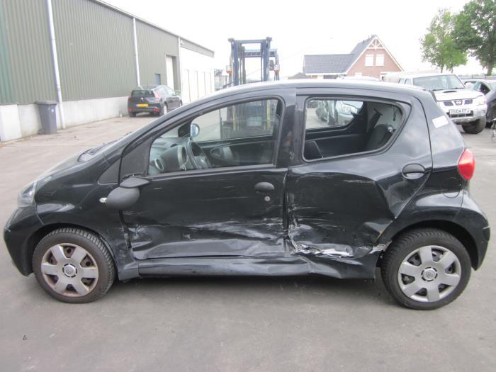 Toyota Aygo (B10) 1.0 12V VVT-i 2006 Motorsteun (klik op de afbeelding voor de volgende foto)
