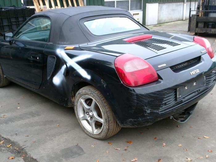 Toyota MR-2/MR-S (ZZW30) 1.8 16V VT-i (klik op de afbeelding voor de volgende foto)  (klik op de afbeelding voor de volgende foto)  (klik op de afbeelding voor de volgende foto)