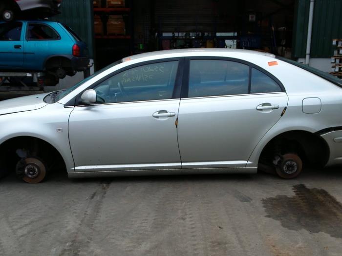 Toyota Avensis (T25/B1D) 1.8 16V VVT-i 2005 Vacuum ventiel (klik op de afbeelding voor de volgende foto)