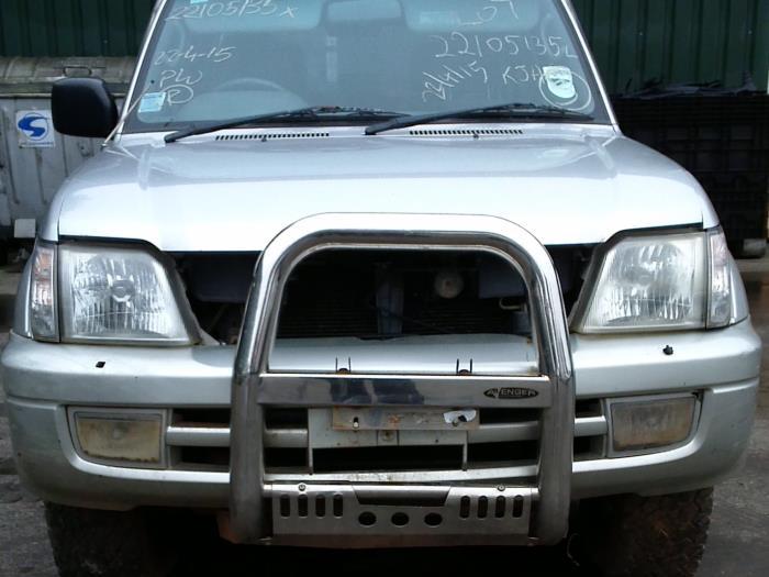 Toyota Land Cruiser 90 (J9) 3.0 D-4D 16V 2001 Knipperlicht Scherm links-voor (klik op de afbeelding voor de volgende foto)