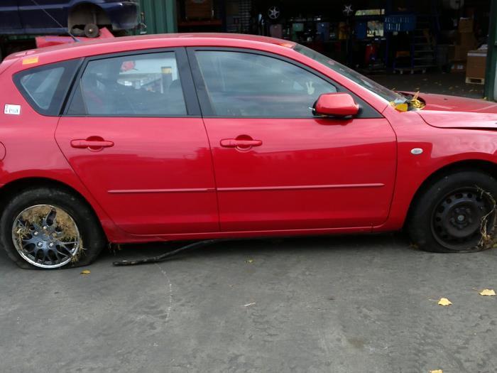 Mazda 3 Sport (BK14) 1.6i 16V (klik op de afbeelding voor de volgende foto)  (klik op de afbeelding voor de volgende foto)  (klik op de afbeelding voor de volgende foto)  (klik op de afbeelding voor de volgende foto)