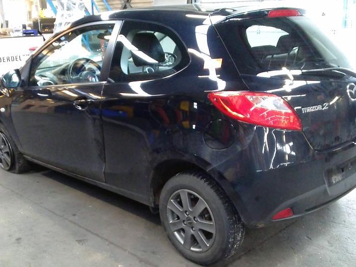 Mazda 2 (DE) 1.4 CDVi 16V (klik op de afbeelding voor de volgende foto)