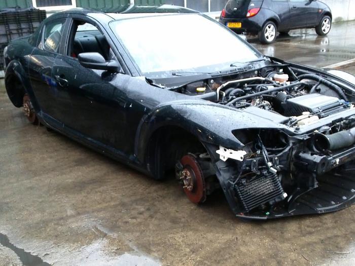 Mazda RX-8 (SE17) M5 (klik op de afbeelding voor de volgende foto)  (klik op de afbeelding voor de volgende foto)  (klik op de afbeelding voor de volgende foto)  (klik op de afbeelding voor de volgende foto)  (klik op de afbeelding voor de volgende foto)