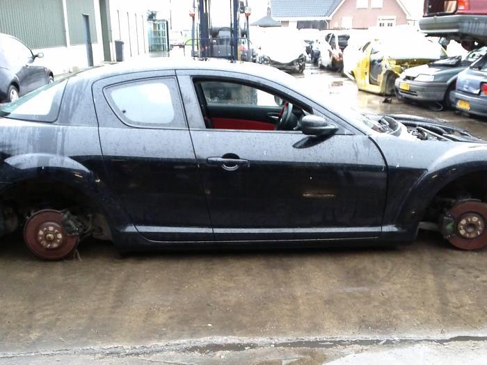 Mazda RX-8 (SE17) M5 (klik op de afbeelding voor de volgende foto)  (klik op de afbeelding voor de volgende foto)  (klik op de afbeelding voor de volgende foto)  (klik op de afbeelding voor de volgende foto)