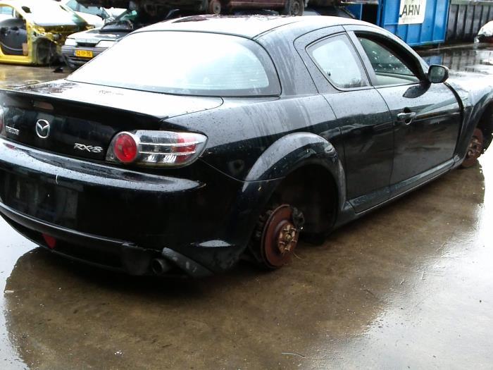 Mazda RX-8 (SE17) M5 (klik op de afbeelding voor de volgende foto)  (klik op de afbeelding voor de volgende foto)  (klik op de afbeelding voor de volgende foto)