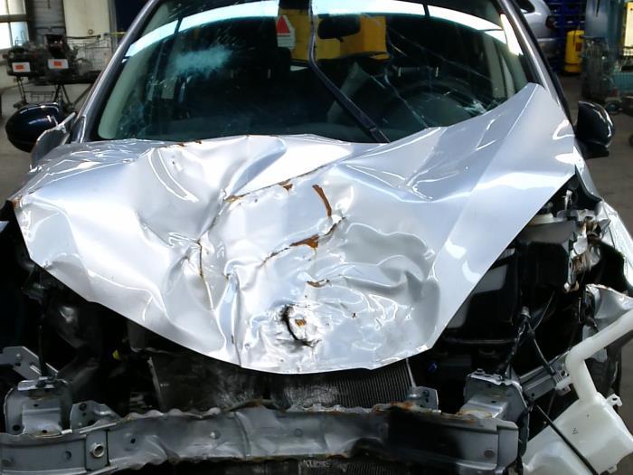 Mazda 2 (DE) 1.4 CDVi 16V 2011 Voorpoot rechts (klik op de afbeelding voor de volgende foto)