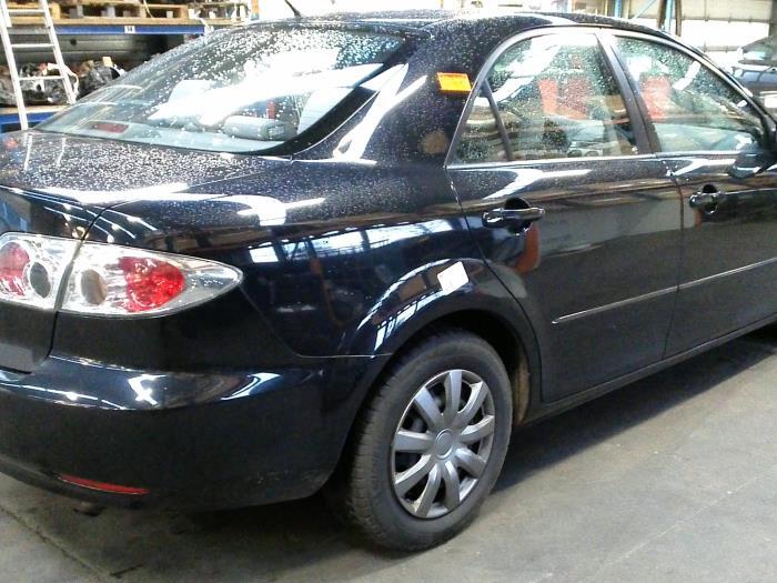 Mazda 6 (GG12/82) 2.0i 16V (klik op de afbeelding voor de volgende foto)  (klik op de afbeelding voor de volgende foto)  (klik op de afbeelding voor de volgende foto)