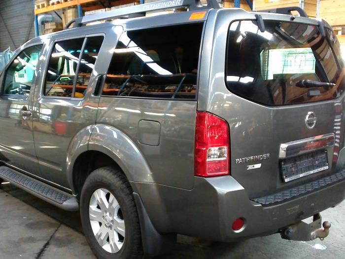 Nissan Pathfinder (R51) 2.5 dCi 16V 4x4 (klik op de afbeelding voor de volgende foto)
