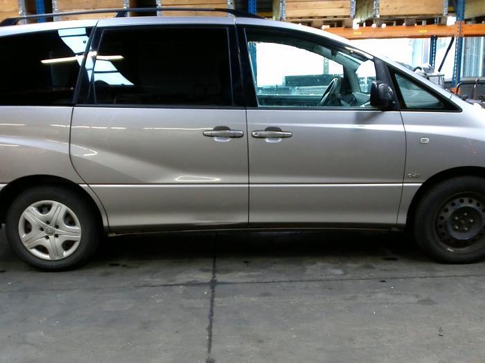 Toyota Previa (R3) 2.0 D-4D 16V (klik op de afbeelding voor de volgende foto)  (klik op de afbeelding voor de volgende foto)  (klik op de afbeelding voor de volgende foto)  (klik op de afbeelding voor de volgende foto)