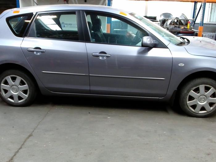 Mazda 3 Sport (BK14) 1.6i 16V 2005 Triangel links-voor (klik op de afbeelding voor de volgende foto)